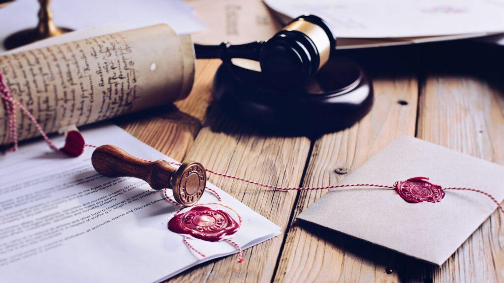 Pri delu sodnega tolmača je ključna natančnost.